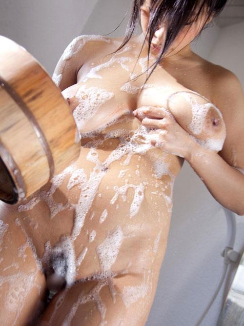 泡まみれで揉み心地抜群のぬる乳