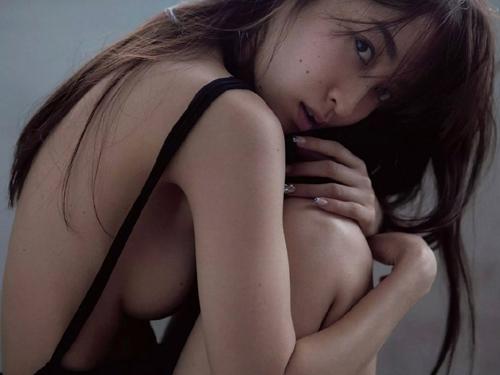 木口亜矢グラビア復活手ブラヌードエロ画像