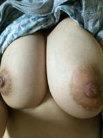 Hカップ美巨乳陥没乳首娘