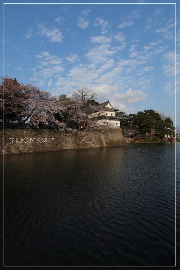 新発田城と空
