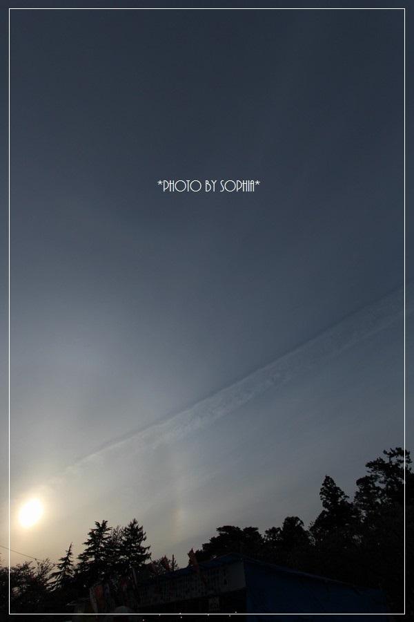 筋雲とハロー