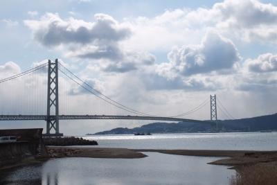 140205山田橋から見た明石海峡大橋