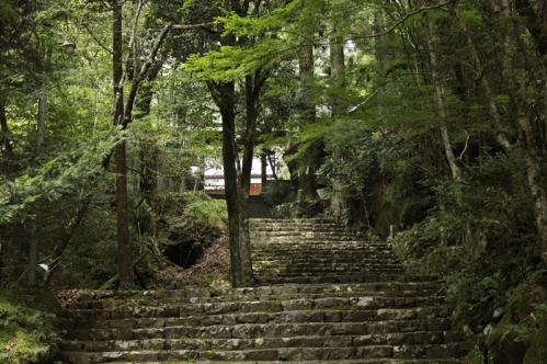 轟九十九滝途中のお寺