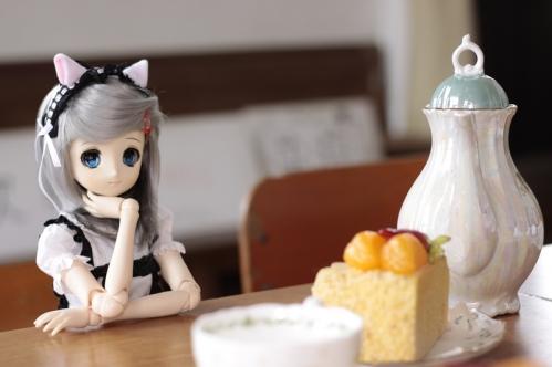 ケーキを前に3