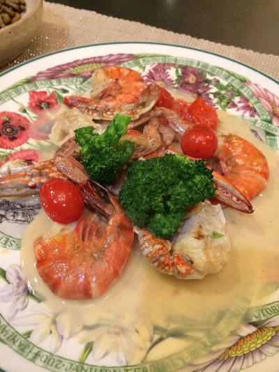 海鮮のクリーム炒め(テール鶏)