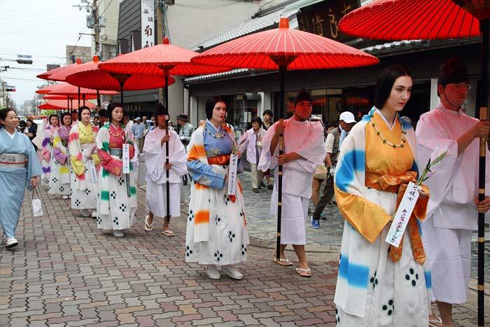 率川神社 ゆり祭り2