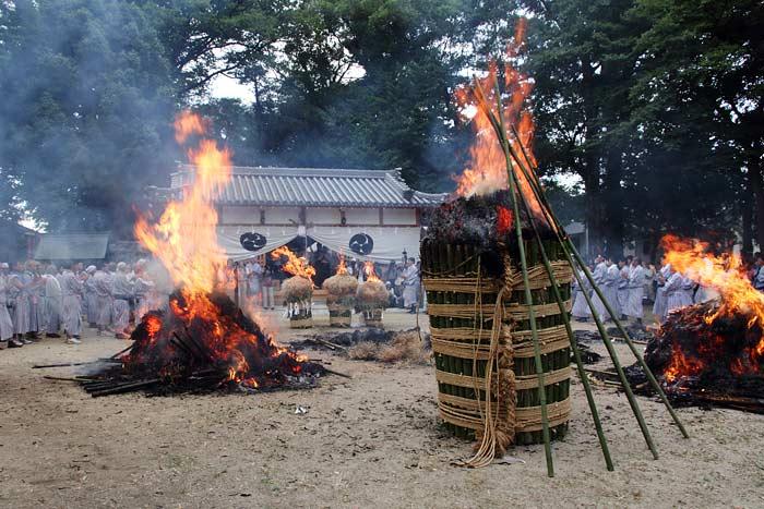 ホーランヤ火祭り3