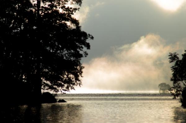 大沼雲はしる