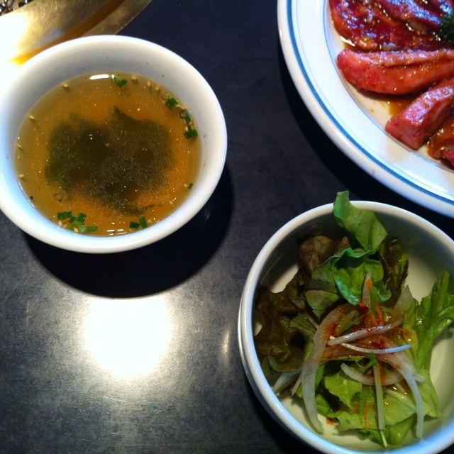 月波スープとサラダ