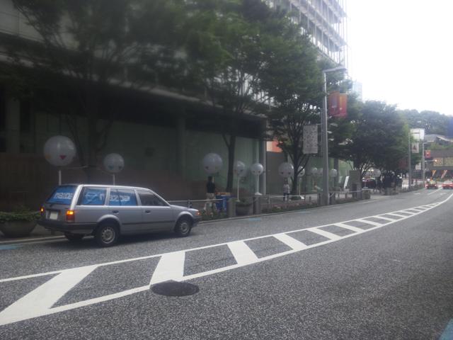 マツダBF ファミリアバン 六本木ヒルズに行く