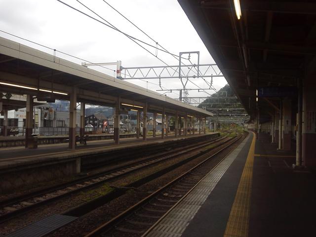 湯沢駅の1番線
