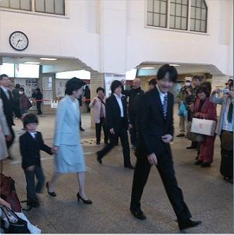 秋家の宇治山田駅3