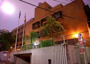 201405大使館外観