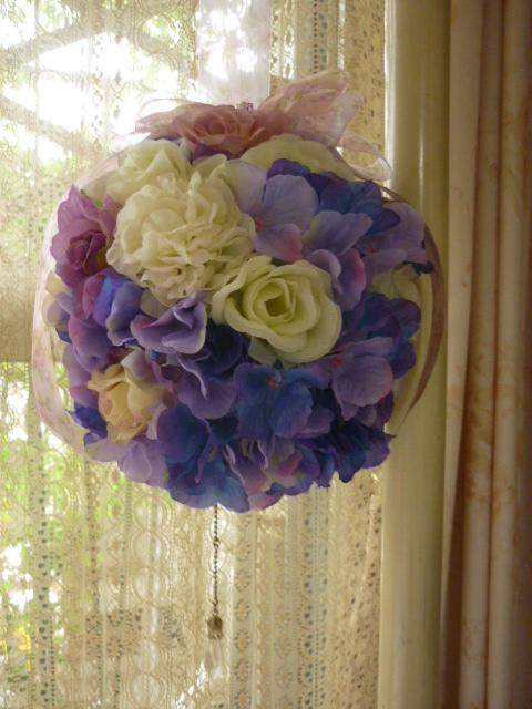 紫のボールブーケ1