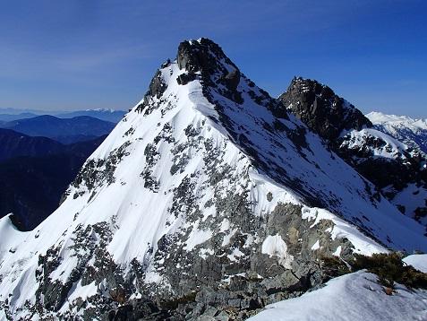 明神主峰と2峰