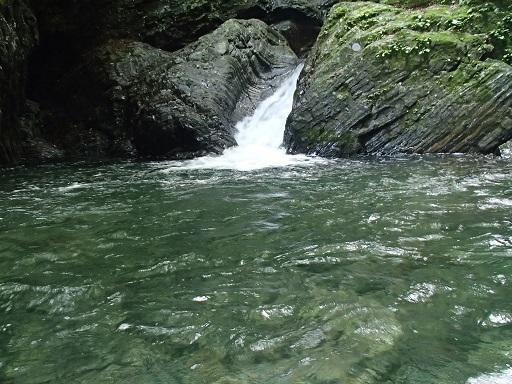 2m4mの滝