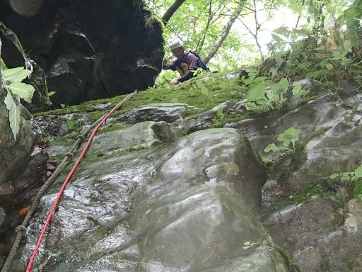石門の滝左壁