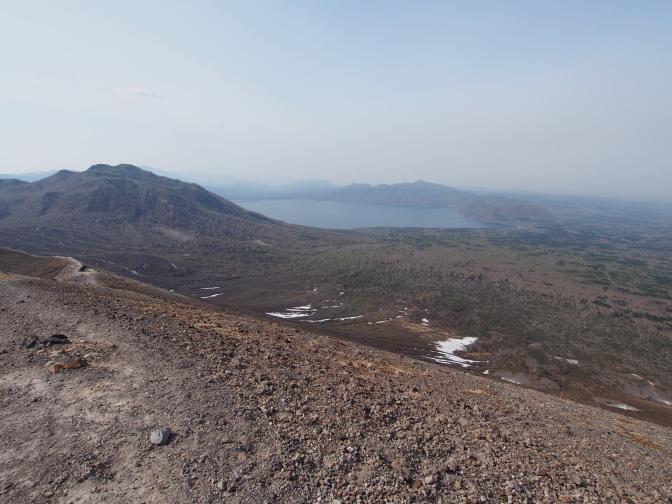 樽前山東山山頂から望む支笏湖
