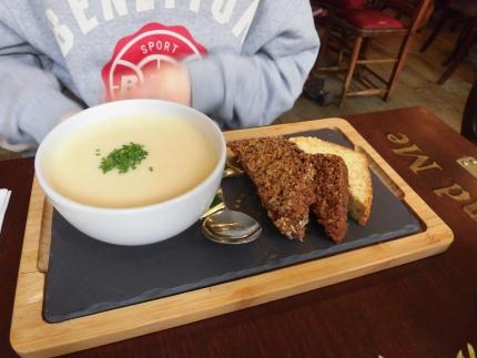 巨大スープ