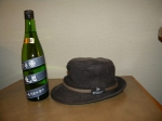 お酒と帽子