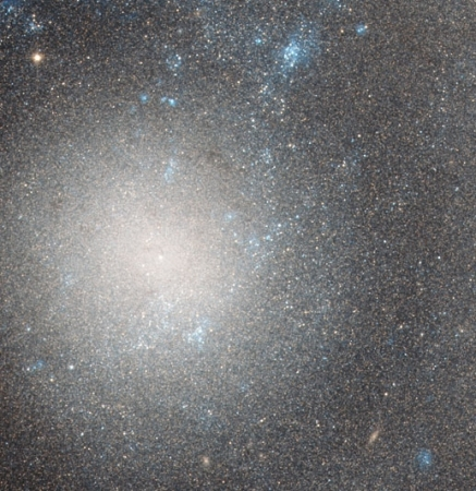 ngc5474 Hubble Sees a Dwarf Galaxy (2)