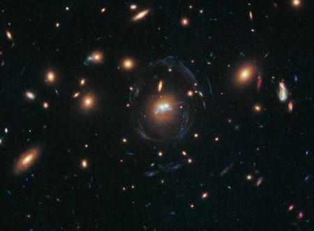 clusterlens_hubble_960.jpg