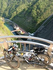 断崖絶壁の斜面