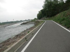 利根川沿い