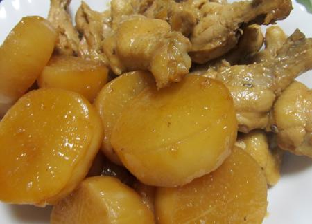 大根と鶏手羽肉の酢煮物
