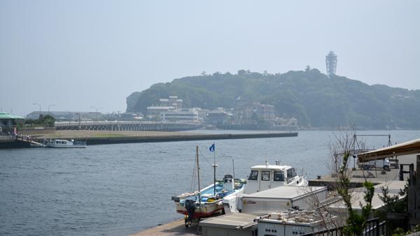 曇りの江ノ島