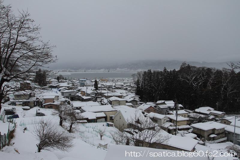 雪の諏訪盆地
