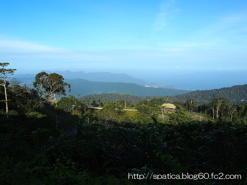 ラヤ山頂からの眺め