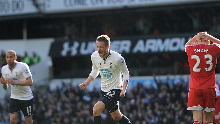 Tottenham-v-Southampton-Gylfi-Sigurdsson-winn_3106174.jpg