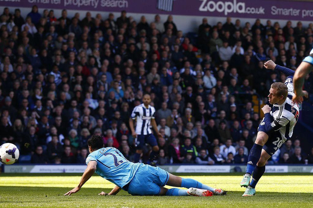 West-Bromwich-Albions-Matej-Vydra-R-scores-against-Tottenham-Hotspur-3405488.jpg