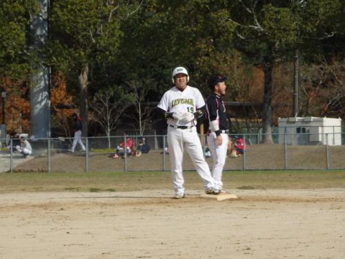 PC140913Le.visage2回裏北村に続き右超え2点二塁打を放ち、4番の貫禄を見せた瀬崎