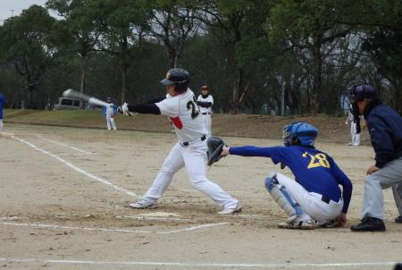 PC210973続く3番の上田が中超え二塁打を放ち1点先制