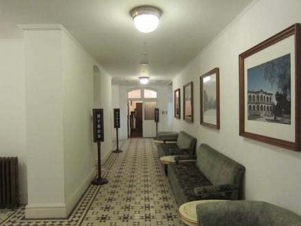 地下の廊下