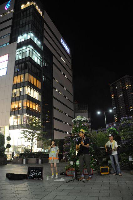Spoon駅前路上ライブ3