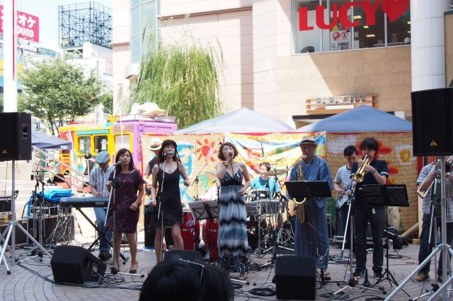 AonA 夏の芸術祭2013のライブ2