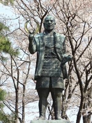 浜松城徳川家康像