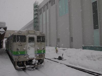 木古内駅キハ40とワンダーウォール