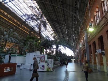 2013年5月31日アトーチャ・レンフェ駅構内