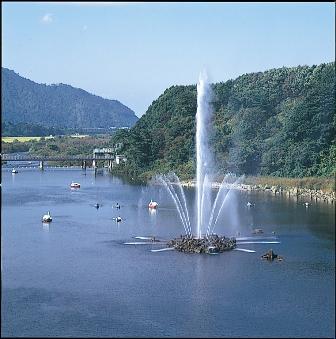 胎内川大噴水-昼