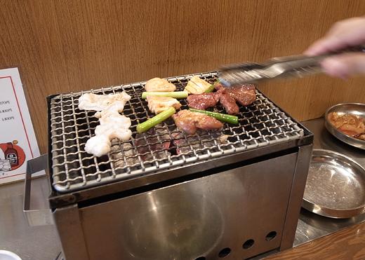 140825_36肉焼く