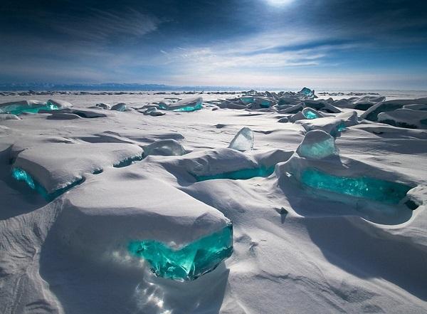 とある冬の湖(バイカル)image