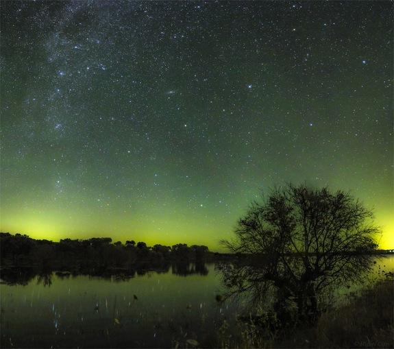 とある緑色の夜空image