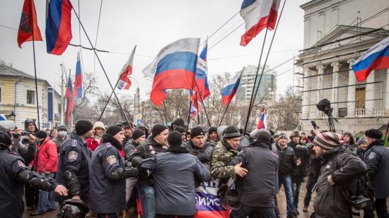ウクライナ情勢(クリミア辺りでのロシア国旗)image