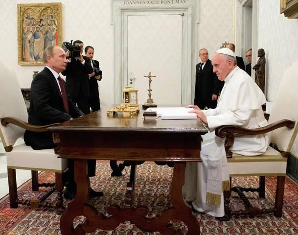 オバマ対プーチン(バチカンでのプーチン)image