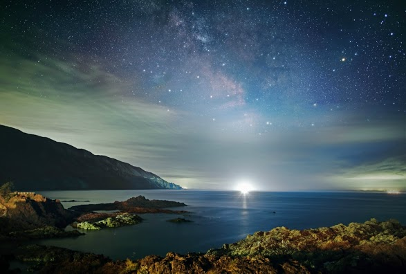 とある太陽と星と海原image