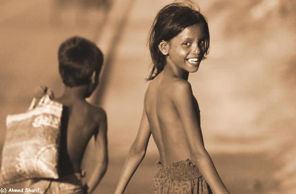 とある子供の振り向いた笑顔image